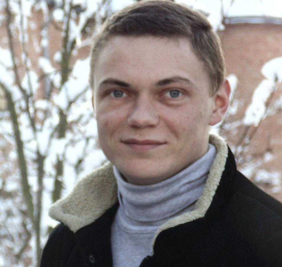 Тарас Панько - покрівельник