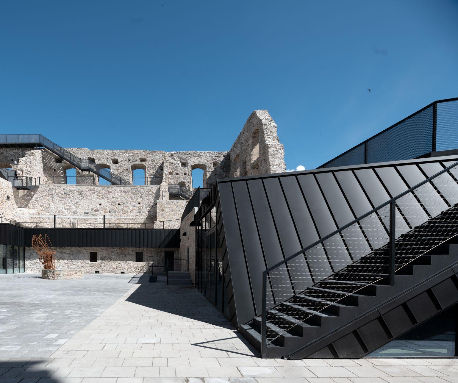 Hrad Haapsalu, Estonsko, střecha a fasáda RHEINZINK- GRANUM basalte