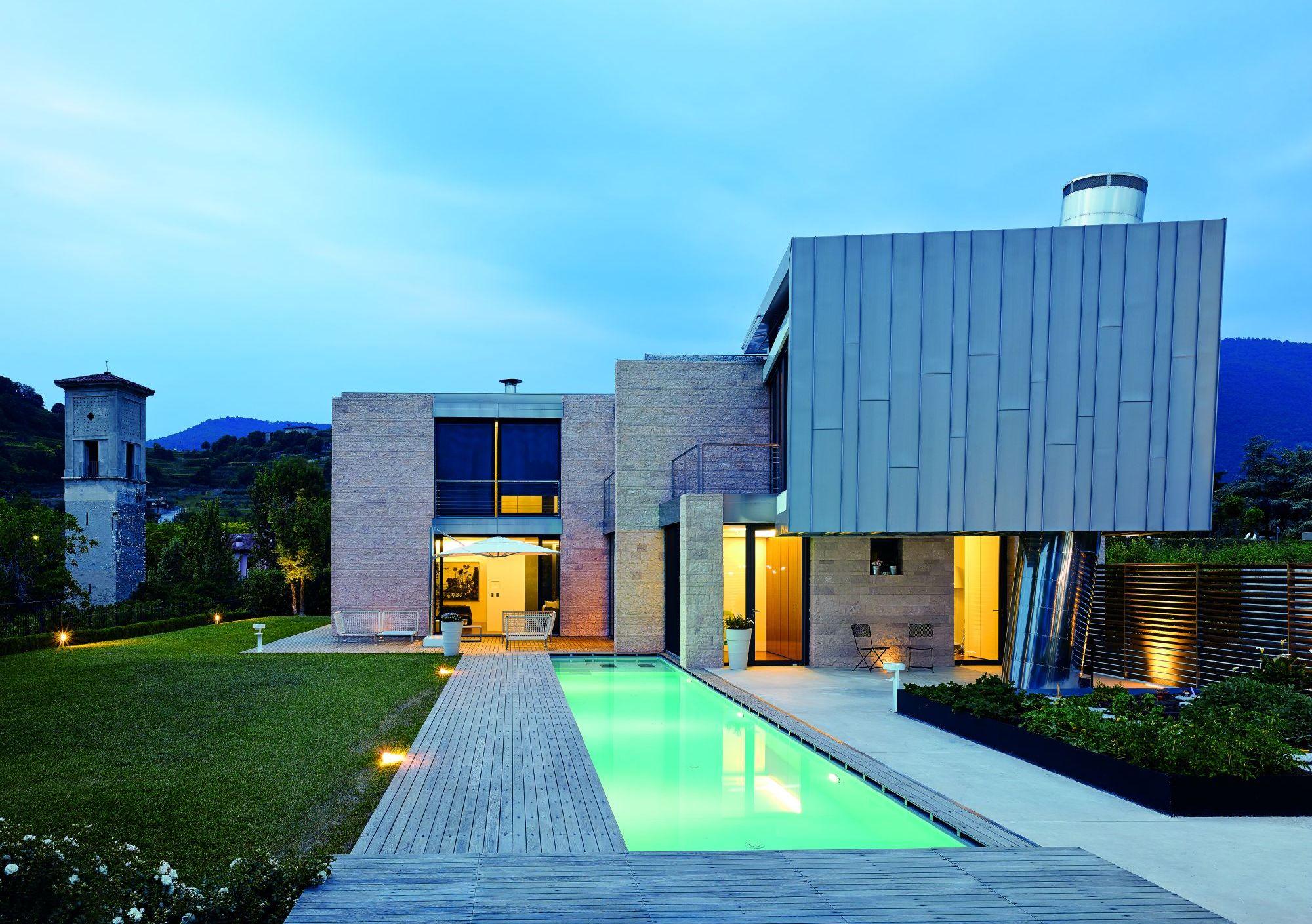 Металеві покрівлі, титанові цинкові фасади та водовідведення