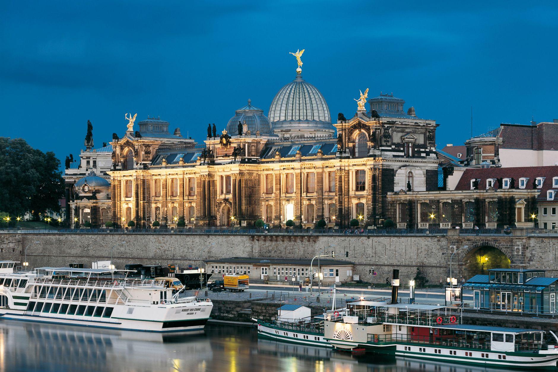 Akademie výtvarných umění, Drážďany, Německo, střecha RHEINZINK- prePATINA blaugrau