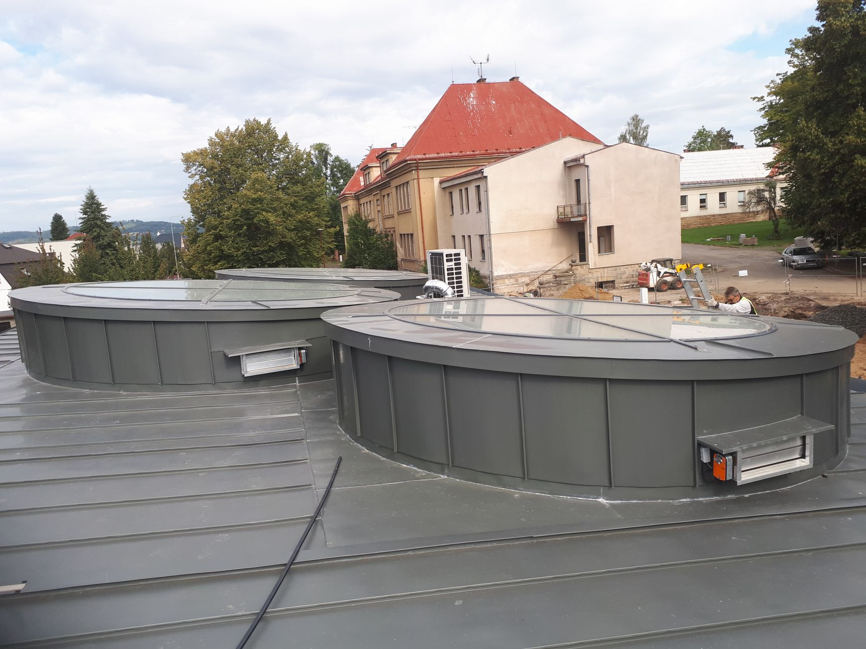 ART OF ZINC 2020 Střecha 2. místo_PARIO s.r.o., RHEINZINK- prePATINA schiefergrau